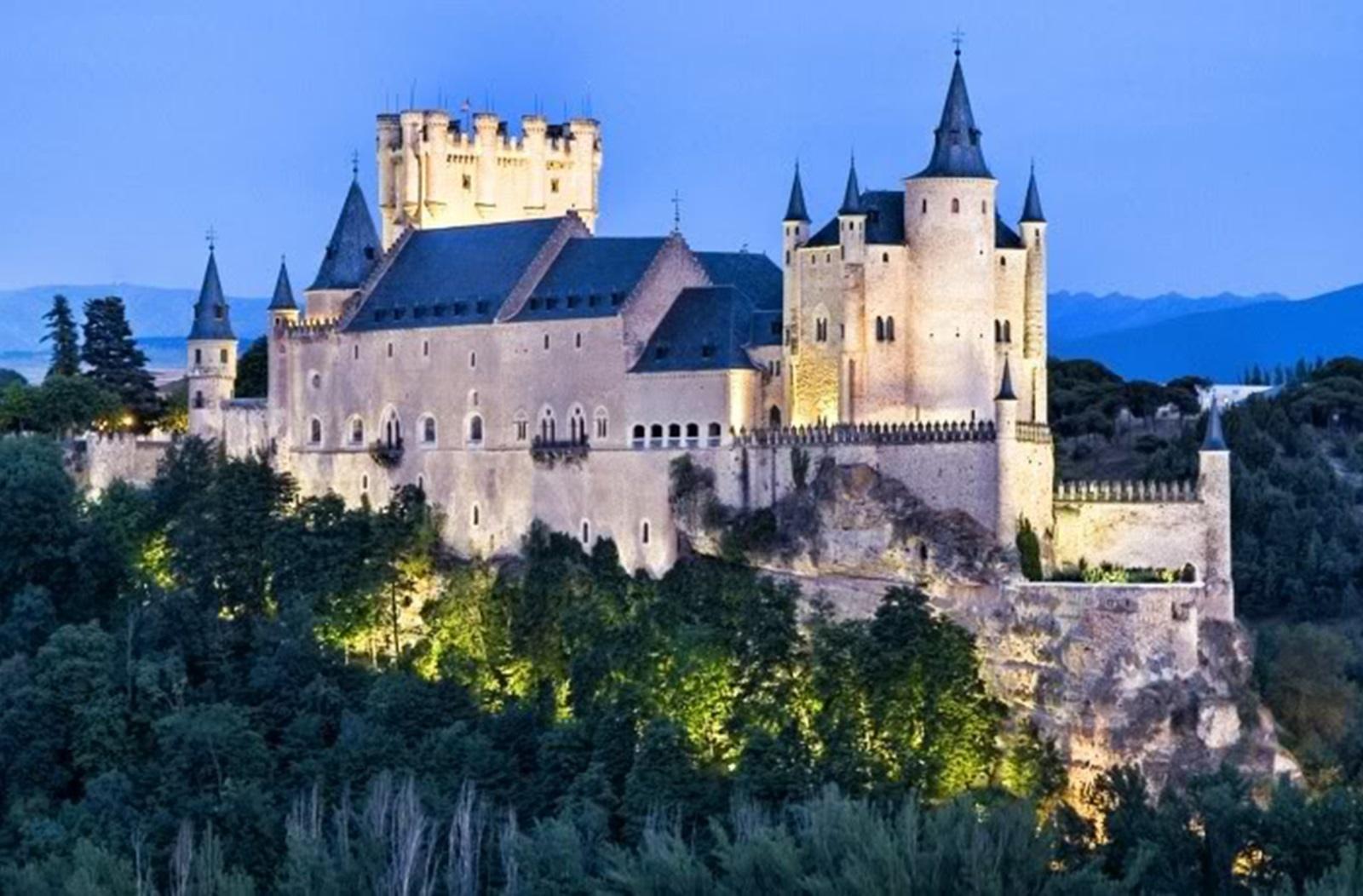Alcázar de Segovia1.jpg