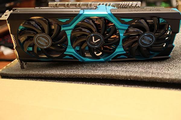 VAPOR-X R9 290X 4GB.JPG