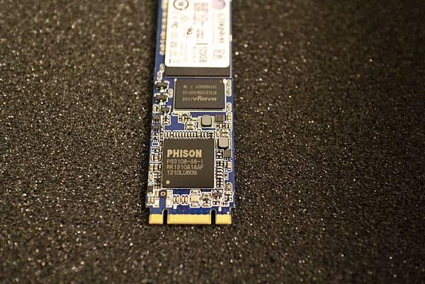 Kingston M.2 SSD 120GB M.2-02.JPG