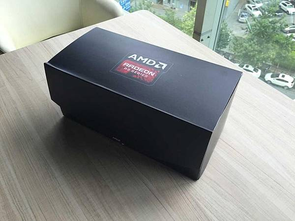 AMD-Radeon-R9-Fury-X-review-sample-1.jpg