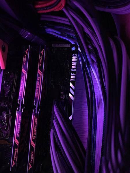 AURA RGB-02.jpg