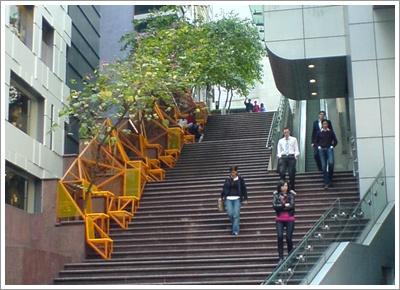 sidewalk_黃色行人座椅.jpg