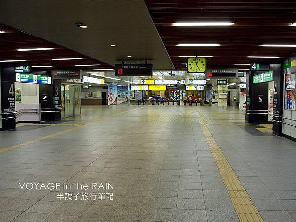 車站內空無一人