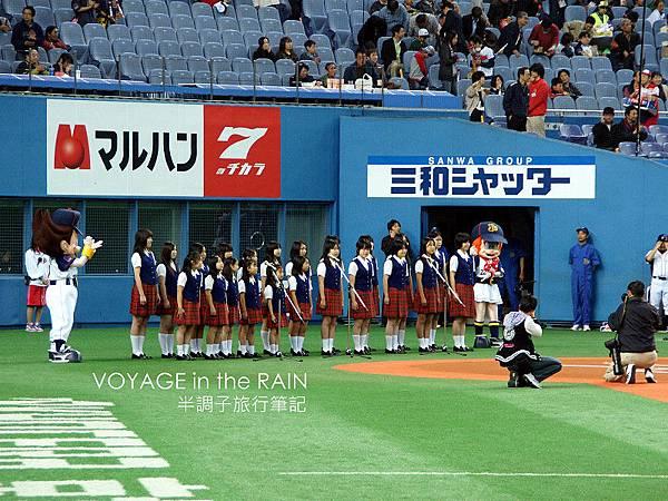 合唱團演唱日本國歌