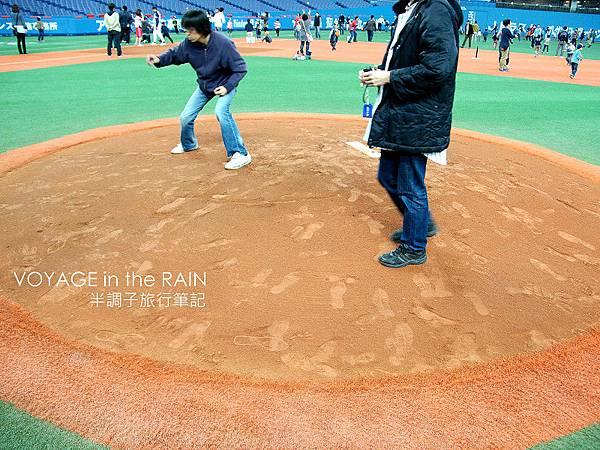 能站上去投球真是美夢成真啊