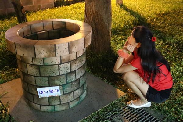 新北市兒童藝術節(新北市府廣場):媽呀~~我來到大人國了「新北市兒童藝術節」之童話城堡