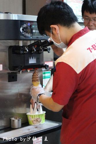 7-11北海道霜淇淋:7-11比利時巧克力霜淇淋【圓山捷運站】