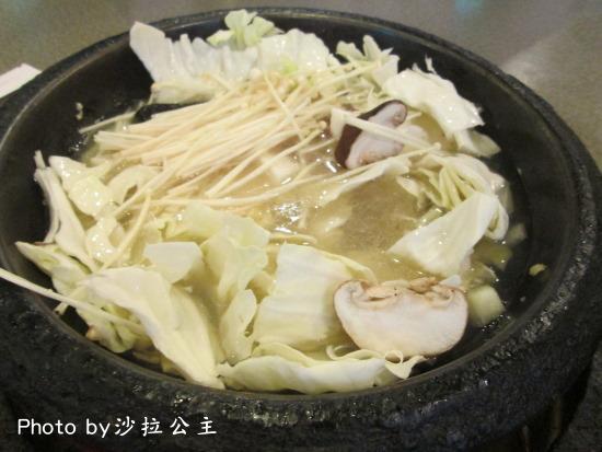 新豐火鍋:新豐平價自助火鍋【士林夜市】