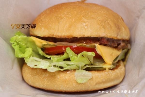 經典牛肉堡1