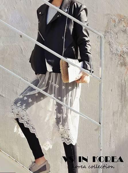 黑褲白蕾絲