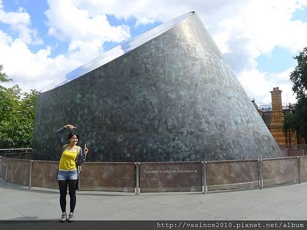 London's Only Planetarium (天文館)