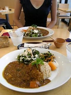 中餐和Leslie吃咖哩...yuuuuuuuuuum