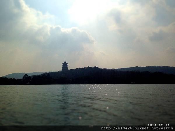 西湖眺望雷峰塔