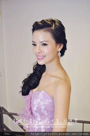 新娘秘書台北Wedding女皇 簡珮瀠-浪漫的側撥造型也能甜美