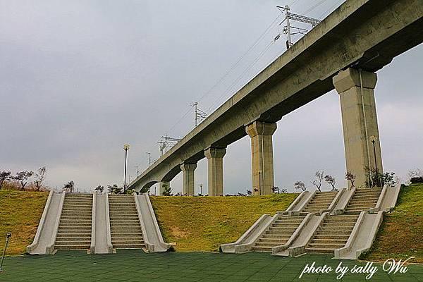 苗栗高鐵公園 (22).JPG