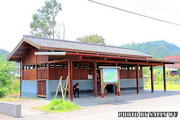 天送崥車站 (20).JPG