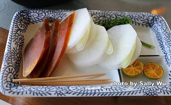 紅毛港小紅食堂旋轉餐廳 (37).JPG