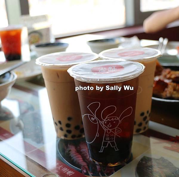 紅毛港小紅食堂旋轉餐廳 (40).JPG