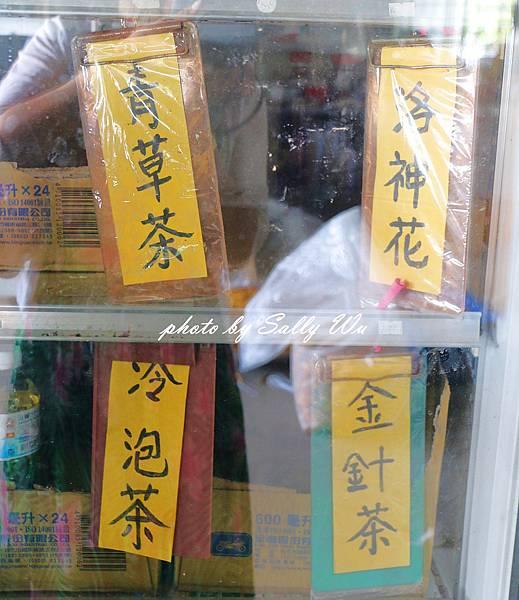 六石石山金針花 (34).JPG