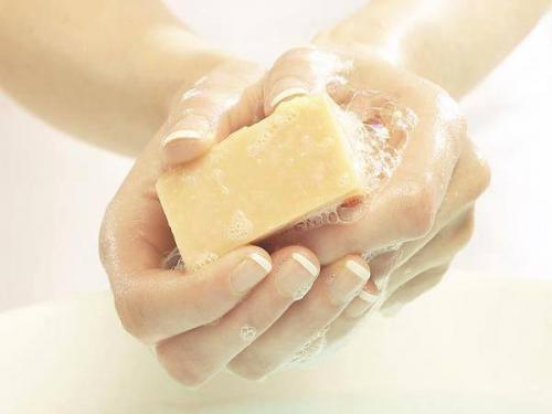請使用塊狀肥皂沐浴