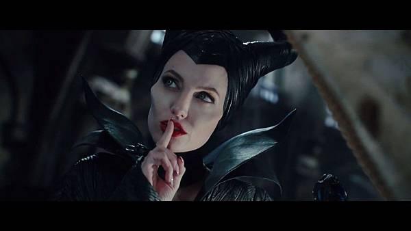 Maleficent1 (1)