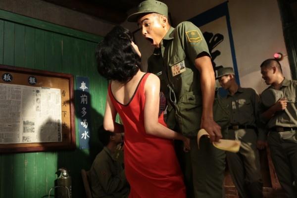《軍中樂園》-劇照02(照片提供請註明:紅豆製作)-600x400
