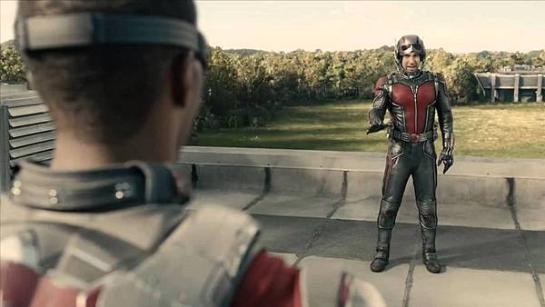 Ant-Man-Falcon-meets-Ant-Man