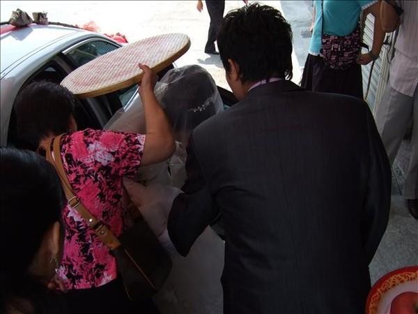 新娘過米篩