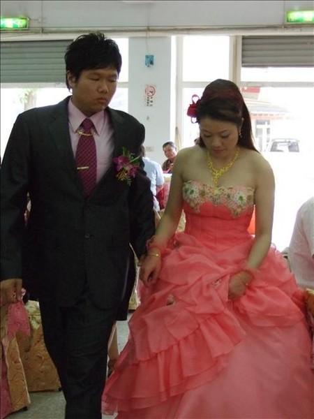 完全襯托出新娘白皙肌膚的超美禮服
