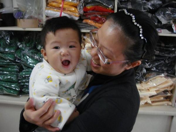 2009.11.22  看到姨開心的勒(硬要往自己臉上貼金)