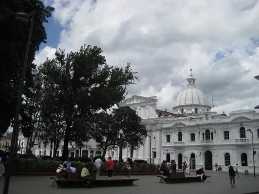 Parque Caldas y Catedral