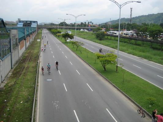 三線道的腳踏車專用路!!