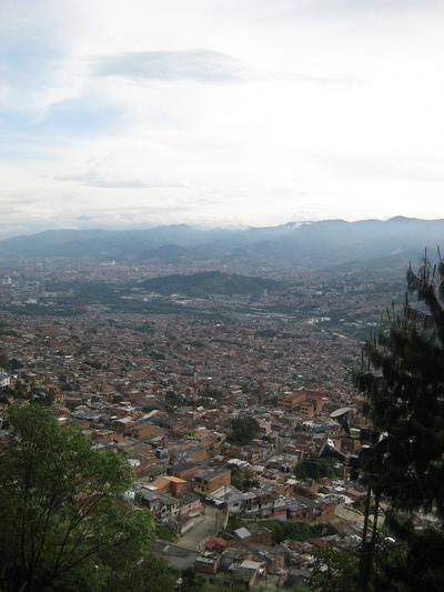 遠望Medellin市區