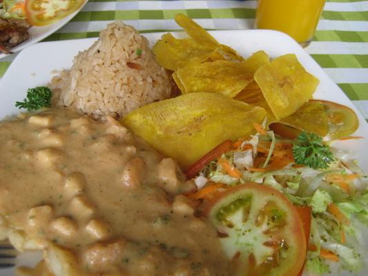 Medellin社區裡的餐館