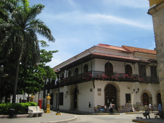 Outside Parque de Bolivar