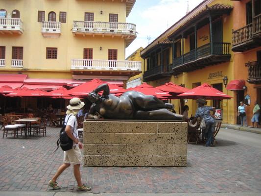 有很多餐廳的Plaza San Domingo