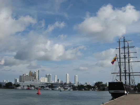 從渡船碼頭遙望Bocagrande的旅館高樓