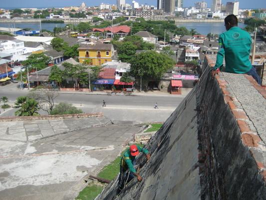 修城牆的工人們