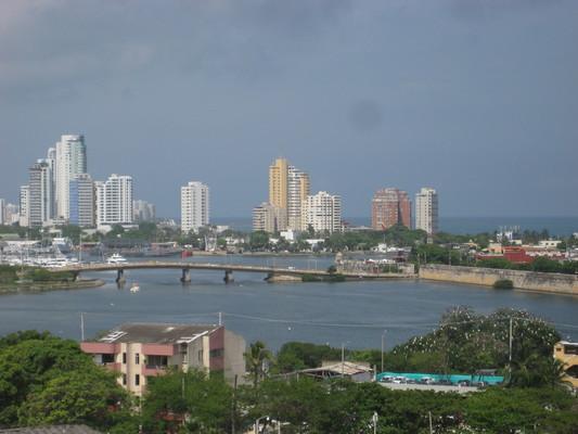 因為在附近的制高點,堡壘遙望Cartagena城區的視野非常好