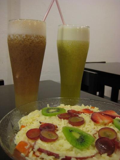 果汁跟水果沙拉 (Fruteria Mompox, Cartagena)