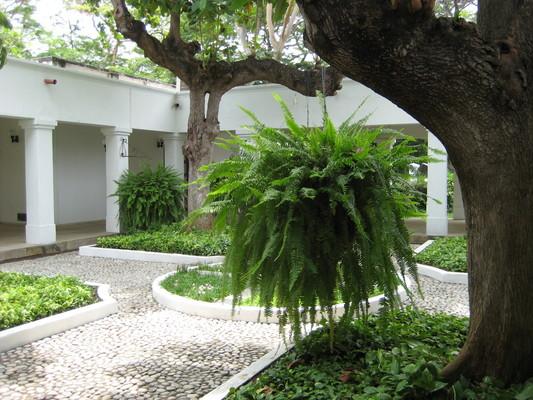 園區內還有個畫廊(可以吹冷氣:b),這是畫廊的中庭