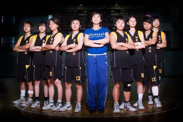 鄧碧珍 聽奧女籃