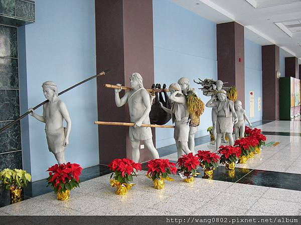 傳統豐收雕像.JPG