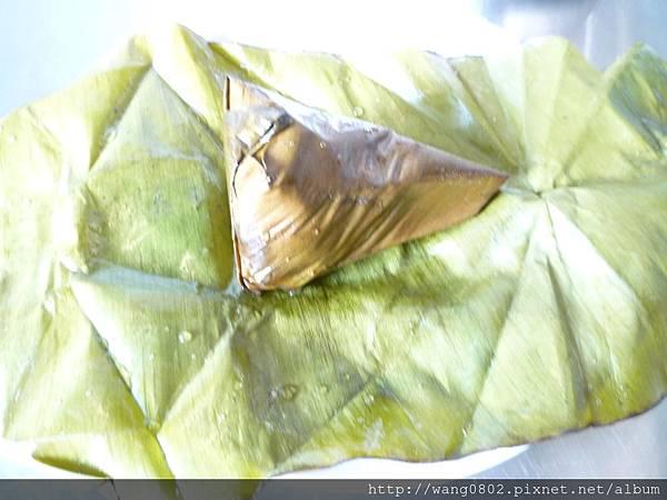 躺在蕉葉中的小粽子