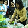 指導吃蝦薄餅的方法.JPG