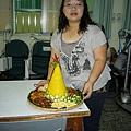 印尼喜慶象微的薑黃飯.JPG
