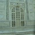 精雕的門及牆.JPG
