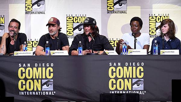 the-walking-dead-comic-con-panel.jpg