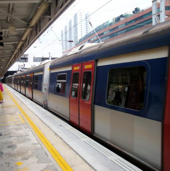 2 火車來了