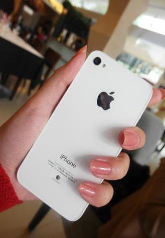 haha 好像在幫Apple拍廣告歐~~ 果然雙胞胎姐妹就是要有雙胞胎手機 !!!.jpg